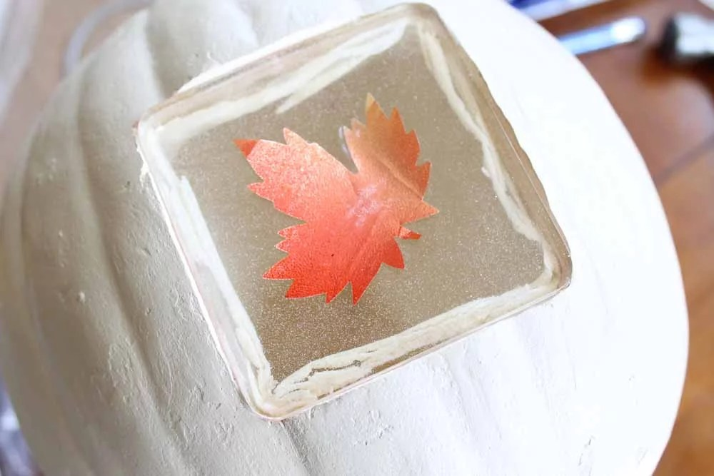 light up thanksgiving centerpiece closeup of leaf detail