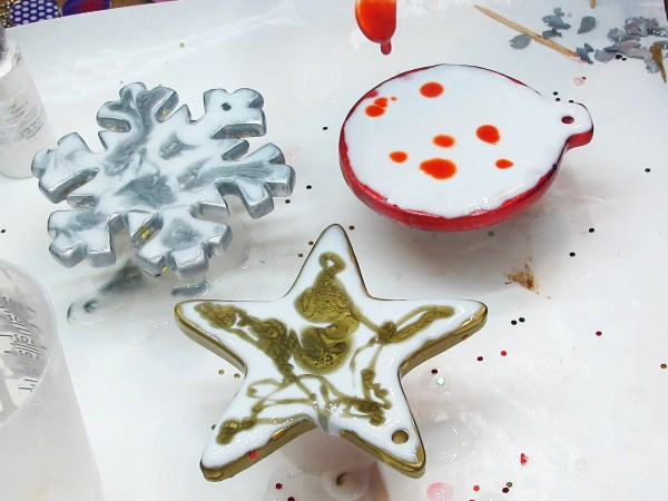 resin painting on Christmas ornaments