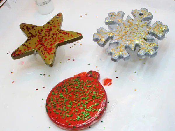 resin ornaments with glitter