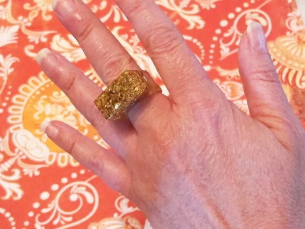 DIY resin and gold leaf ring