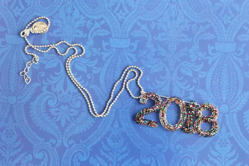 2018 necklace made with multicolor glitter resin numbers