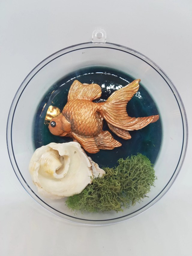 resin fish coral and moss in ornament