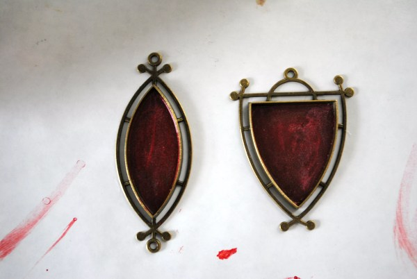 resin luster in pendants
