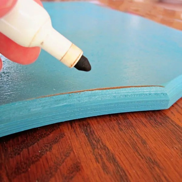 apply detailing to board edge