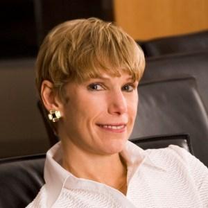 Lori Golden headshot