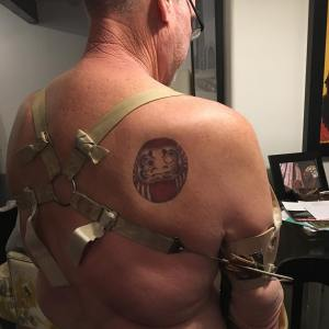 Photo from Daruma with a man with the film's icon tattooed on his back