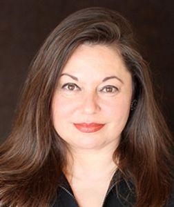 Michele Spitz headshot