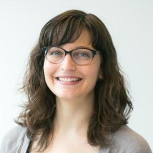 Liz Gutman smiling headshot