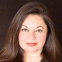 Michele Spitz smiling headshot
