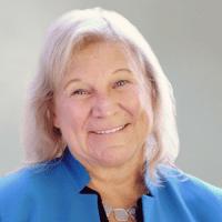 Sue Ruzesnki smiling headshot