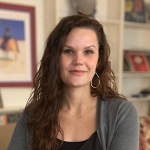 Sarah Welch smiling headshot