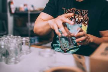 glass vs plastic cannabis packaging