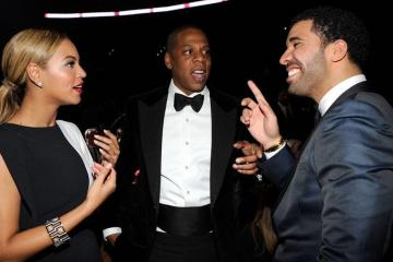 Drake Takes Jab At Jay Z By Holding Money To His Ear