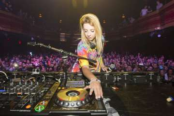 BREAKING: Alison Wonderland Liquidates Tour Company, Suffers Losses