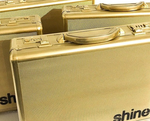 """Shine Golden Rolling Papers Hosts """"Shine Day"""" Scavenger Hunt Feb. 4th"""