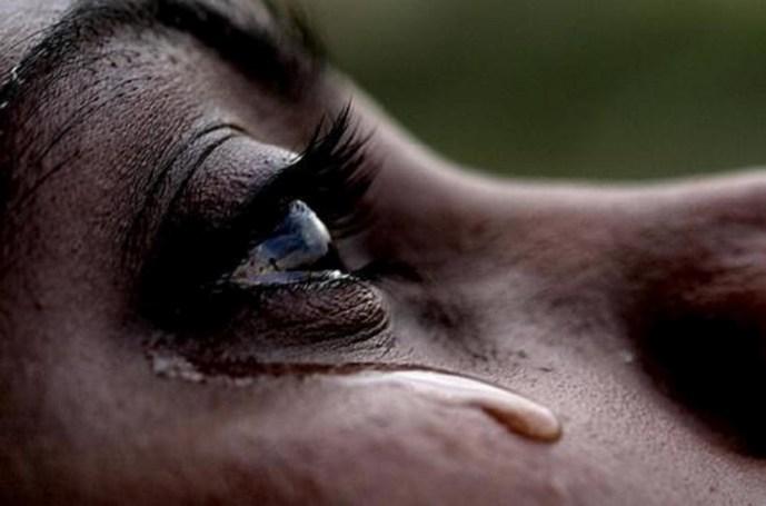 Lagrima de solidão ou de compaixão?