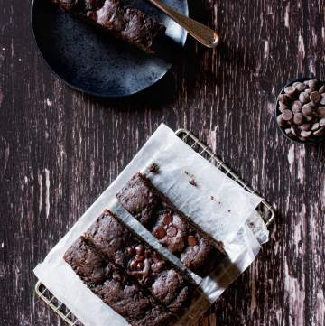 vegan chocolate tahini banana bread