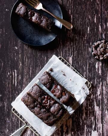 vegan chocolate tahini banana bread