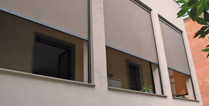 La produzione è fatta in italia, utilizzando materiali garantiti di qualità.le tende solari danno inoltre un elevato. Tende A Rullo Guidate Milano Resstende