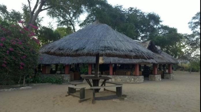 Challet in Mangoci
