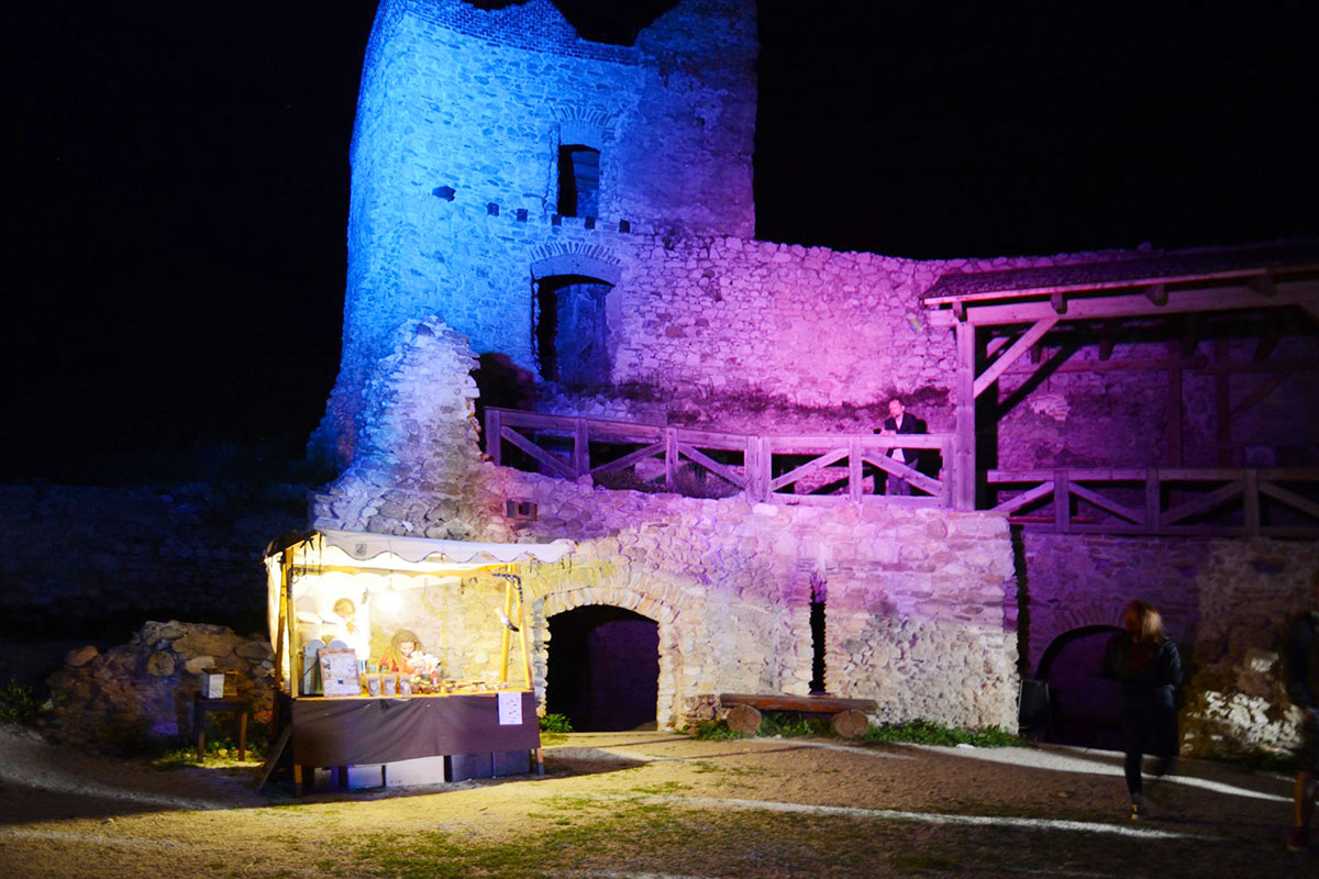 Svetlušky na Čachtickom hrade