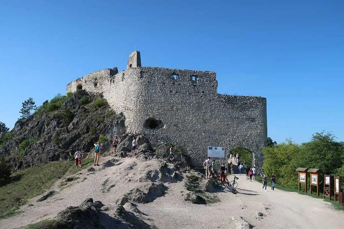 Čachtický hrad z trailu
