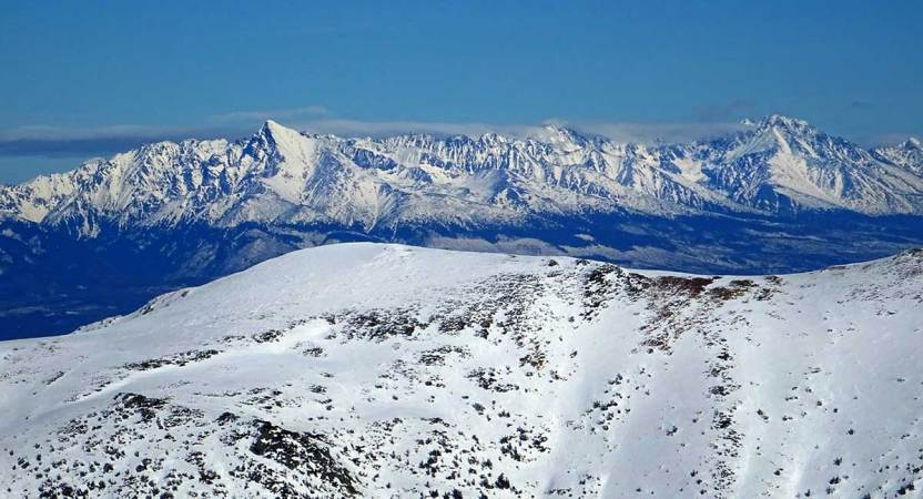 Chabenec z Magurky, zimný výstup za výhľadmi na Tatry