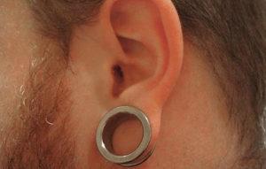 La restauración del prepucio funciona de manera similar a las expansiones de las orejas.
