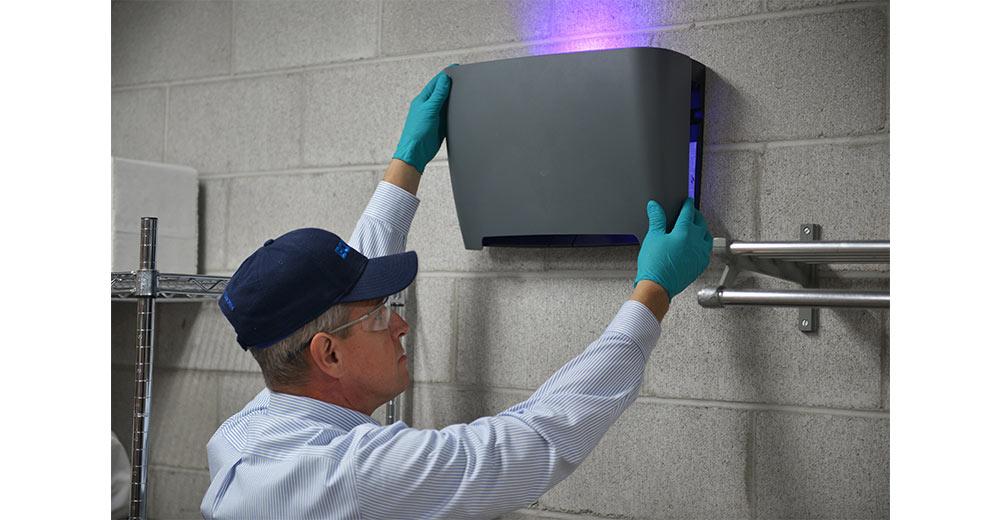 How Do I Recycle Fluorescent Light Bulbs