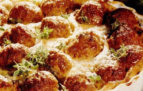 Budinca de cartofi cu perisoare