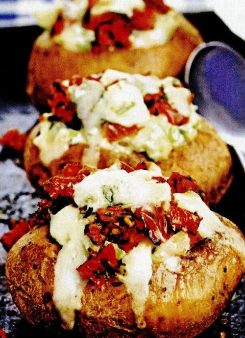 Cartofi copţi cu brânză