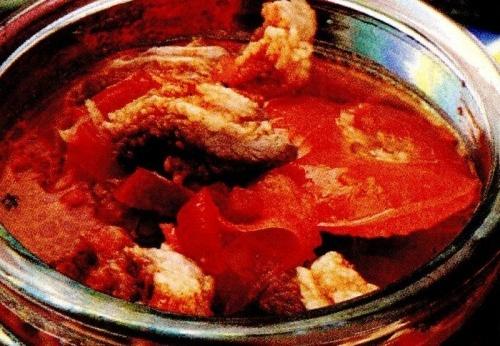 Ciorbă cu praz şi carne de porc