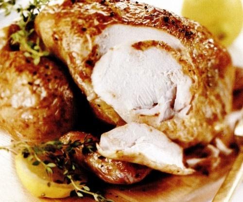Găină rumenită cu lamaie şi cimbru