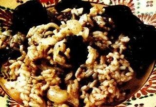 Mancare de prune uscate cu orez