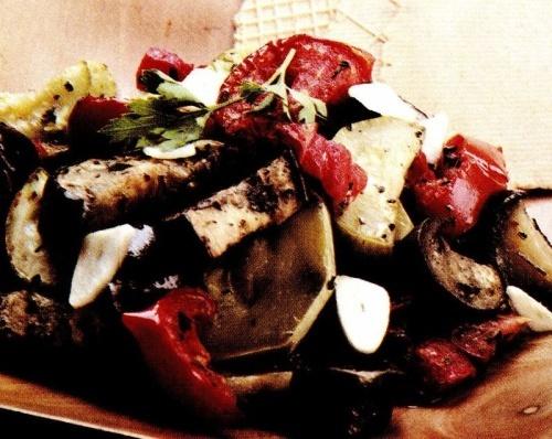 Mâncare de vinete cu roşii