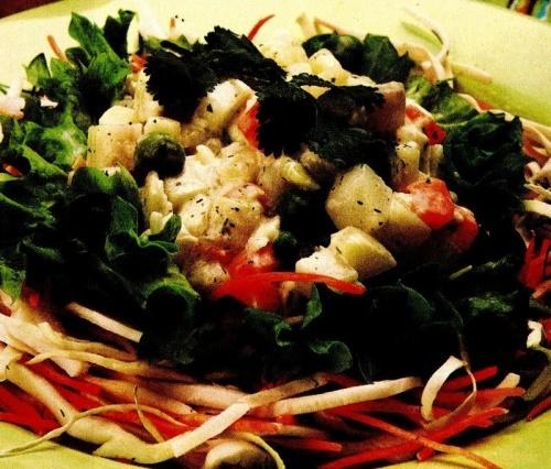Salată de legume cu sos alb