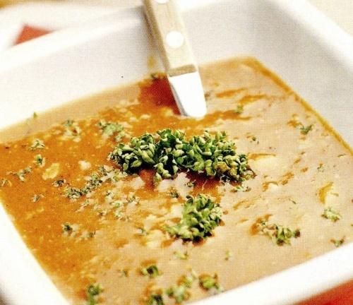 Supa groasa de legume cu foi de dafin