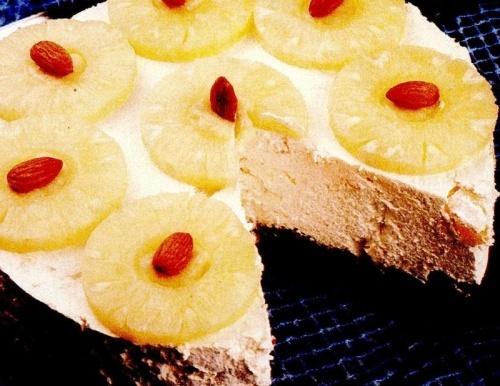 Tort de frişca cu ananas