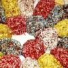 Prăjiturele colorate din cozonac