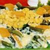 Salată de pui cu fasole verde şi porumb