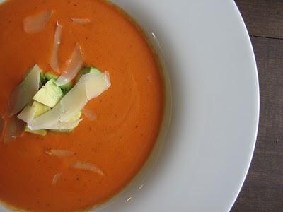 Supa de rosii cu avocado