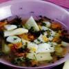Ciorbă de păstăi acrită cu aguridă si prune verzi