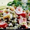 Salata cu paste spiralate