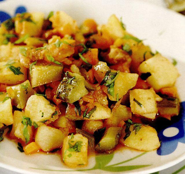 Mâncare de castraveti muraţi cu cartofi si jumări
