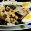 Salată de fasole si hering