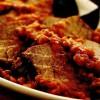 Friptură înăbuşită de vită cu sos de roşii