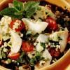 Salată de bulgur şi peşte cu sos de lămâie