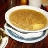 Supa de fructe de mare cu seminţe de susan
