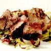 Friptură de vită cu salată mixtă