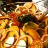 Salată delicioasa de carnaţi